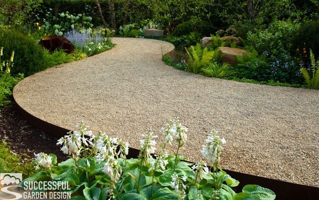 Garden paths – How to choose the right style for your garden