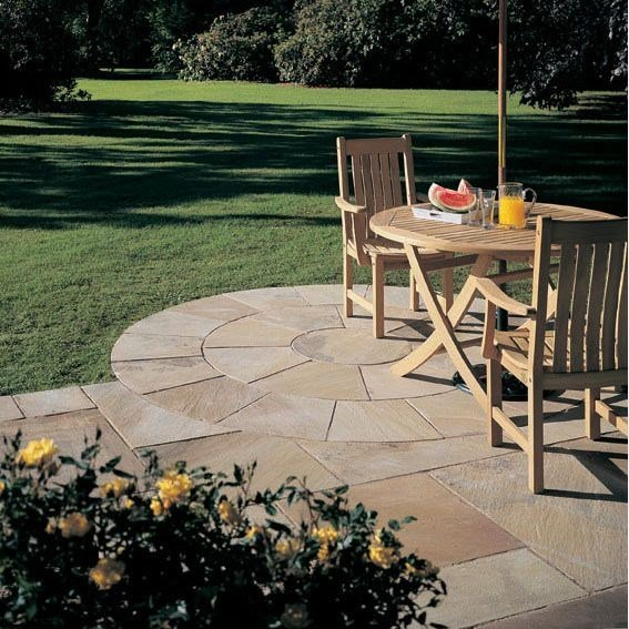 Bradstone Natural Sandstone Paving Fossil Buff 3 Ring Squaring Off Kit - Pack