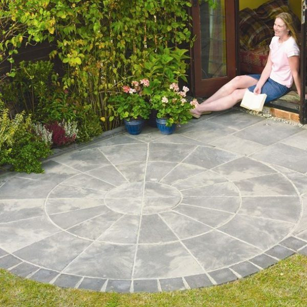 Bradstone Old Riven Concrete Patio Paving Autumn Silver 2 Ring Circular Paving - 1 Pack